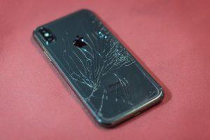 iPhone galinio dangtelio keitimas